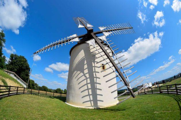 Moulin à vent de Bénesse-lès-Dax dans les Landes