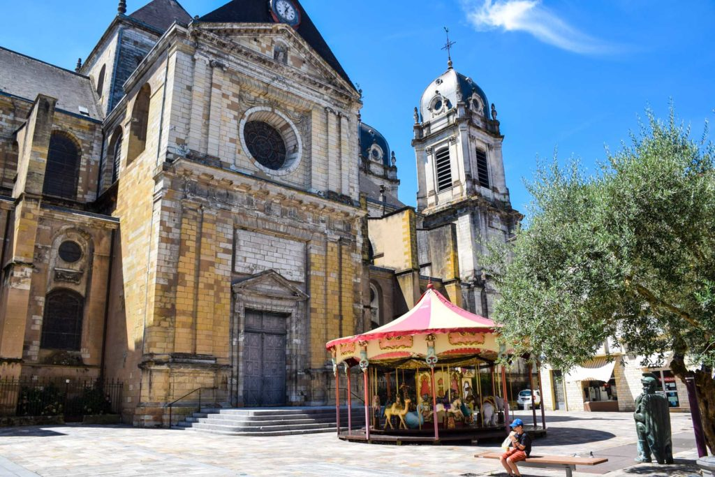 Cathédrale de Dax dans les Landes